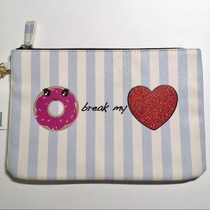 🍩 Betsey Johnson Strip Doughnut Makeup Bag 🍩